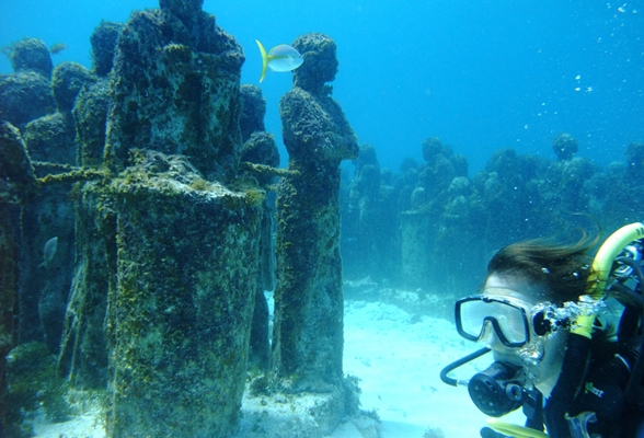 Un museo bajo el agua en canc n m xico sala vip de for Hotel bajo el agua precio