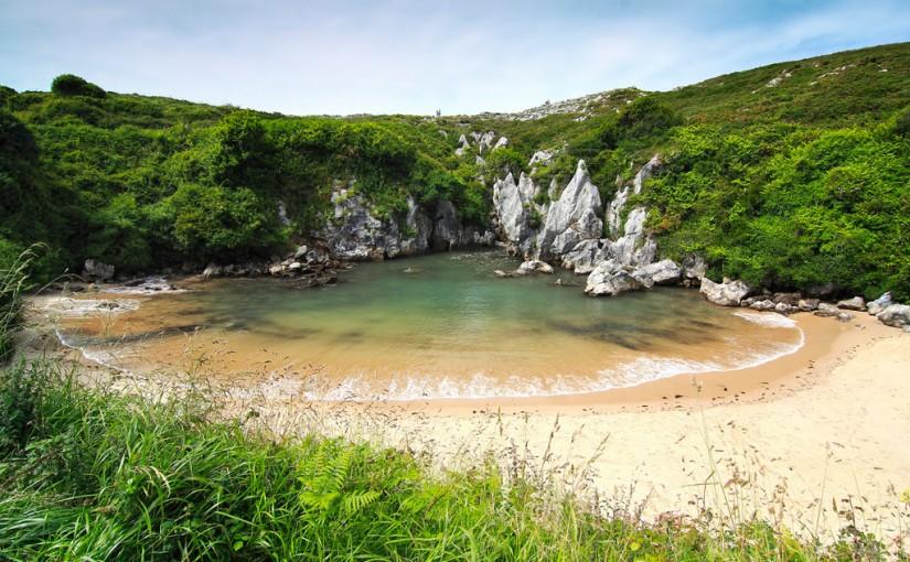 La Playa de Gulpiyuri, en Asturias