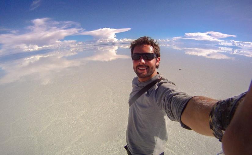 Álex Chacón en el Salar de Uyuni, Bolivia