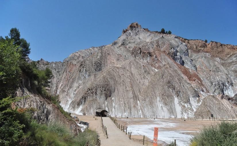 Entrada a la Montaña de Sal, en Cardona