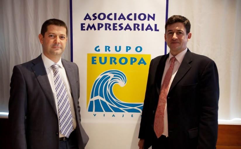 Rafael Calderón, Presidente de Grupo Europa Viajes, junto a Manuel Sos